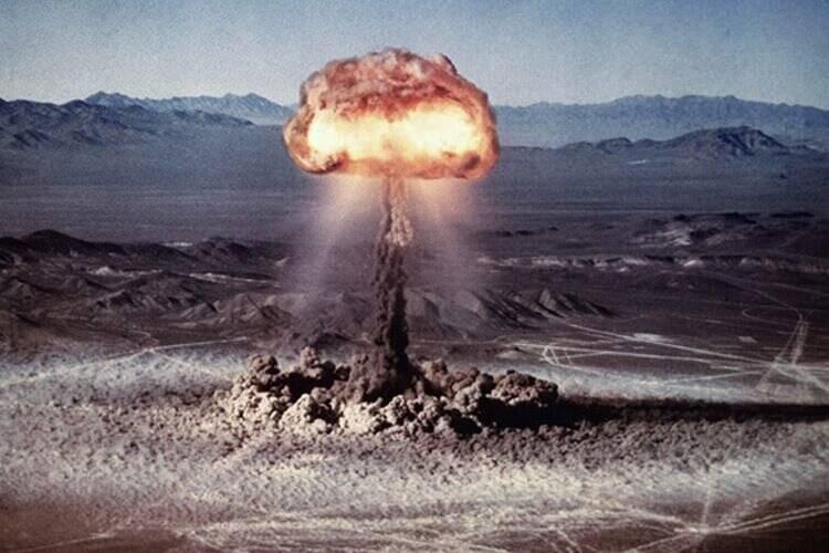 بودن یا نبودن سلاح هستهای؛ مساله اینست! +عکس