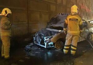 تهران| آتشسوزی و تصادف شدید پژو ۲۰۶ با ۳ مصدوم + تصاویر