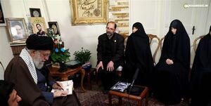 رهبر انقلاب با بیش از 1000 خانواده شهید دیدار سرزده داشتهاند