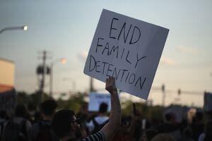 زنان مهاجر در بازداشتگاههای آمریکا
