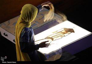 فیلم/ نقاشی با شن فاطمه عبادی از پیادهروی اربعین