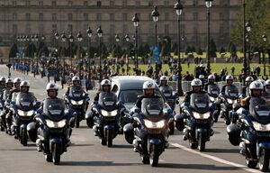 عکس/ اسکورت جنازه ژاک شیراک در پاریس