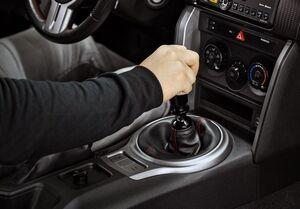 اخبار فنی خودرو|۱۱ خطای رانندگی که به ضرر خودرو است