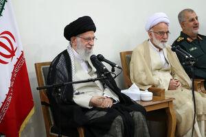 عکس/ رهبر معظم انقلاب اسلامی در دیدار دستاندرکاران کنگره ۶۲۰۰ شهید استان مرکزی