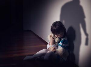 معضل انتشار تصاویر و فیلمهای هرزه نگارانه کودکان در آمریکا