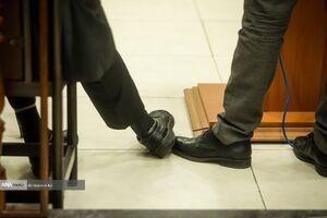 عکس/ علامت بازی متهمان اقتصادی در دادگاه
