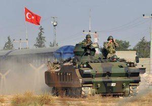 فیلم/ استقبال از ارتش ترکیه با سنگ و تخممرغ