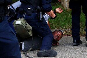 برخورد پلیس آمریکا با سیاهپوستان به سبک دوران بردهداری +عکس