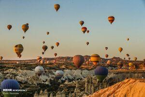 عکس/ پرواز بالونها در آسمان ترکیه