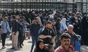 مرز مهران در حال رکورد شکنی/ سیل خروشان جمعیت همه را غافلگیر کرد +فیلم