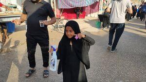 صحنههای ناب و عاشقانه در راهپیمایی اربعین +عکس