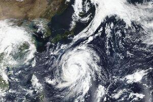 تصویر ماهواره ای از طوفان در ژاپن