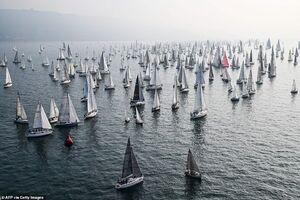 عکس/ مسابقه دیدنی قایقهای بادبانی