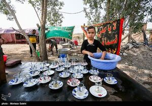 عکس/ حضور کودکان در پیاده روی اربعین حسینی