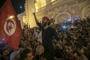 عکس/ شادمانی مردم تونس از نتایج انتخابات