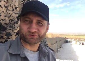 فیلم/ خبرنگار روس در پایگاه تخلیهشده آمریکاییها