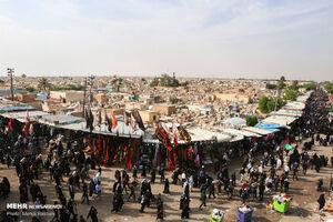 "عکس/ حضور زوار اربعین در قبرستان""وادی السلام"""