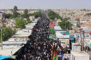 نماهنگ/  همخوانی جوانان حسینی در مسیر کربلا