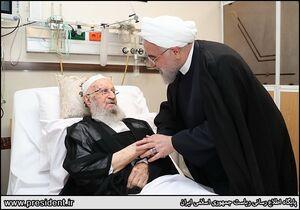 عکس/ روحانی از آیتالله مکارم شیرازی عیادت کرد
