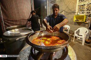 عکس/ خدمت به زائران در موکبی عراقی – ایرانی
