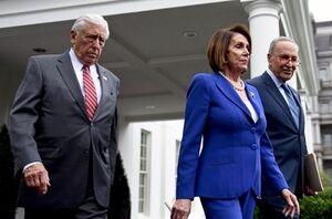 ترامپ از کوره در رفت؛ رهبران دموکرات کنگره جلسه کاخ سفید را ترک کردند