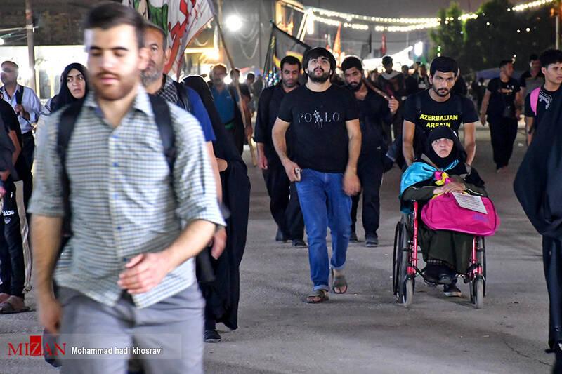 اعمال مهم در پیادهروی اربعین/کمک به افراد ناتوان بیشترین ثواب برای زائران پیاده