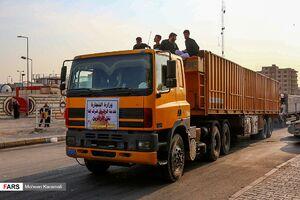 عکس/ جابجایی زائران حسینی(ع) با کامیون و تریلر
