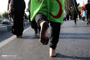 عکس/ پیادهروی جاماندگان اربعین در تهران