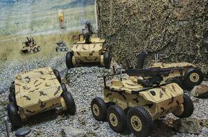 نزاجا با نسل جدید سربازان آهنی به جنگ تهدیدات و تروریستها میرود/ حالا آتش خودروهای انتحاری با رباتهای مسلح خاموش میشود +عکس
