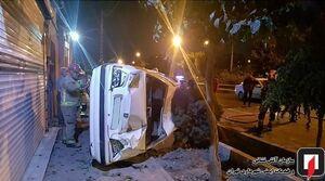 واژگونی پژو پارس در پیادهرو