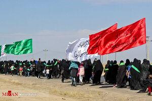 عکس/ پیاده روی زائران امام رضا(ع) به سمت مشهد