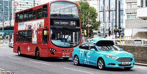 نخستین تاکسی خودران در انگلیس +فیلم و عکس
