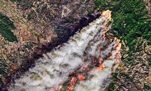 تصویر ماهوارهای از آتش سوزی مهیب در کالیفرنیا