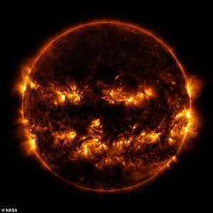 تصویر عجیب ناسا از «خورشید»