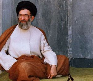 تصویر منتشرنشده از رهبر انقلاب به مناسبت آغاز ماه ربیع الاول