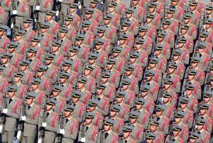 """نظمِ """"ارتش چین"""" را به رُخِ """"ارتش ایران"""" نکشید +عکس"""