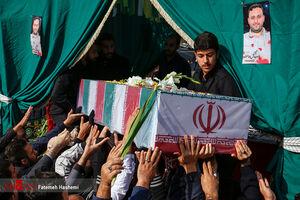 فیلم/ حال و هوای تشییع شهید مدافع حرم در تهران