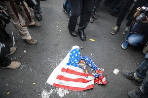 مراسم آتش زدن پرچم آمریکا+ فیلم