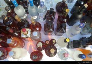 کشف ۱۰۰۰ لیتر مشروبالکلی در شمال تهران +تصاویر