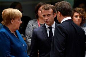 اروپا در  در اعلام استقلال از آمریکا لباس جنگ پوشید!