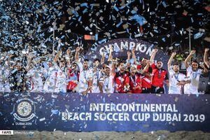 عکس/ قهرمانی تیم ملی فوتبال ساحلی در جام بین قارهای