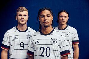 عکس/ رونمایی از پیراهن جدید تیم ملی آلمان