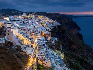 تصویر زیبا از جزیره زیبای سنتورینی یونان