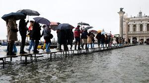 عکس/ دوکشته براثر افزایش سطح آب در ونیز