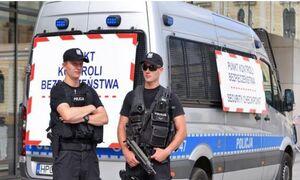 تخلیه یک مدرسه و یک آپارتمان ۱۱ طبقه در لهستان از بیم بمبگذاری
