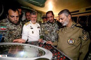 عکس/ بازدید سرلشکر موسوی از تجهیزات پدافندی نیروگاه اتمی