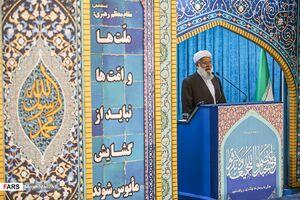 عکس/ سخنرانی عالم اهل سنت در نماز جمعه
