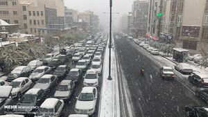 چگونه در روزهای برفی ایمن رانندگی کنیم؟