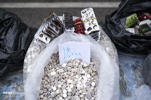 کشف ۱۵ میلیارد داروی تاریخ مصرف گذشته از یک انبار در جنوب تهران