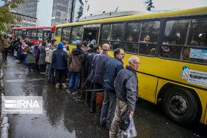 اختلال در عبور و مرور اتوبوسها درپی بارش برف